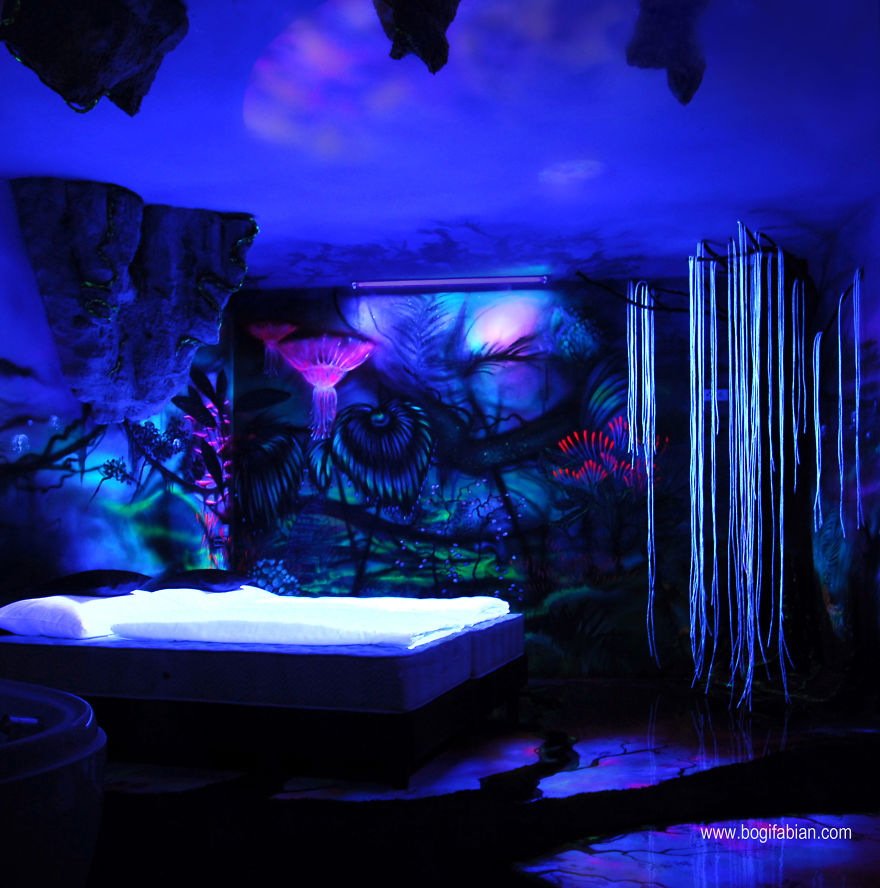 Glowing-murals-by-Bogi-Fabian11__880