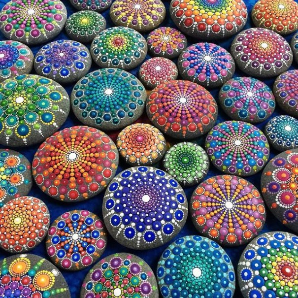 stone-art-mandala-elspeth-mclean-canada-8-605x605